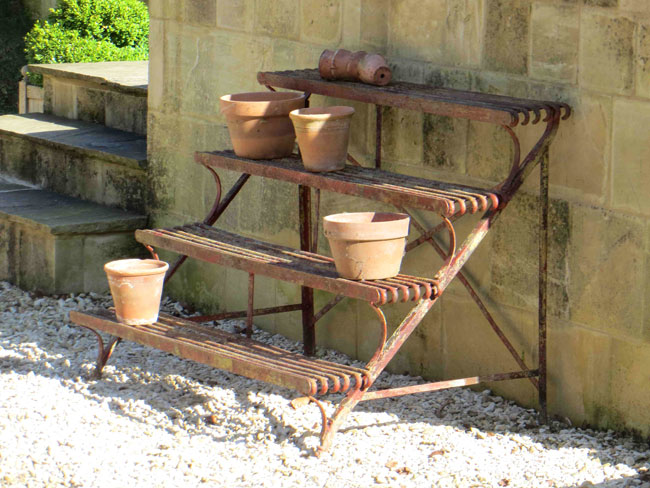 811-ARRAS-PLANT-STAND