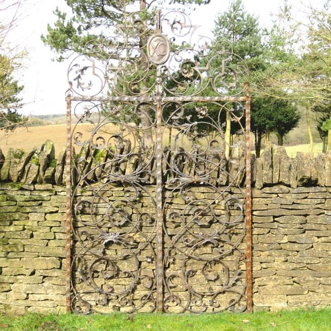 1061-DECORATIVE-GATES
